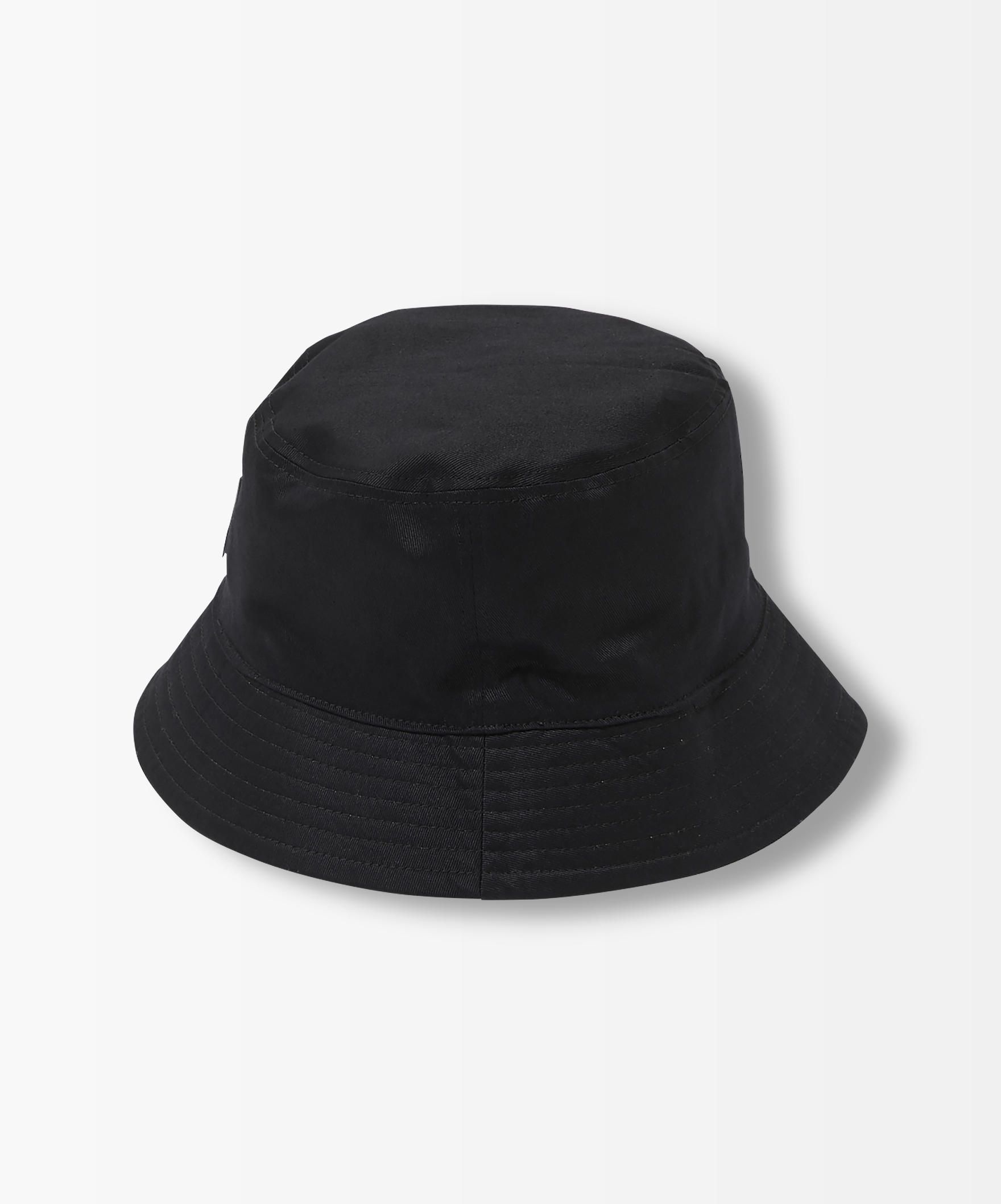 YR BUCKET HAT
